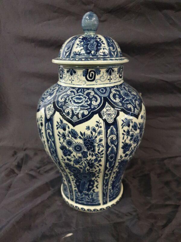 Antique delft vase ( blue / white). PETRUS REGOUT MAASTRICHT .