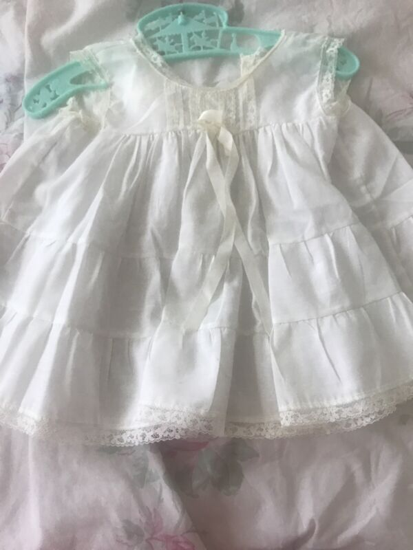 Vintage Baby Girls Her Majesty White Lace Ruffle Slip Dress 12 Month Floral Lace