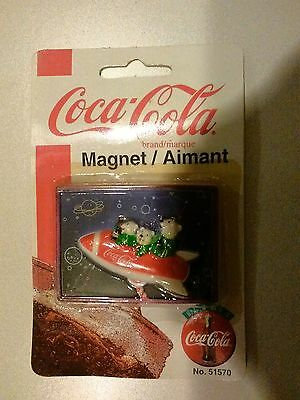 Coca Cola Magnet--Cubs in Rocket (1999) Unopened