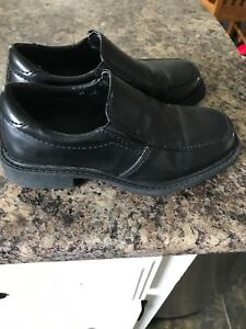 Boys Academy Dress Shoes Size 11
