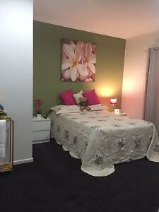 Student or professional accomodation - big private room Elimbah Caboolture Area Preview