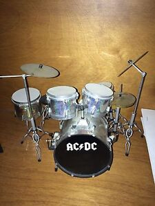 Miniature AC/DC compete drum set. RARE