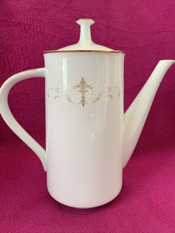 Noritake China COURTNEY 6520 COFFEE POT with LID (5 Cup)