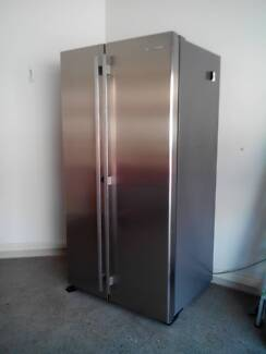 Westinghouse - 700L Side by Side Fridge East Gosford Gosford Area Preview
