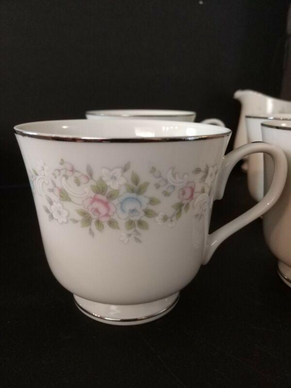 4 Carlton Corsage 481 Tea Cups Coffee