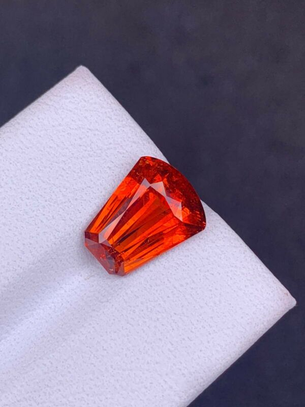 5.73ct Unique Hi End Color 100% Natural Mandarin Orange Spessartite Garnet