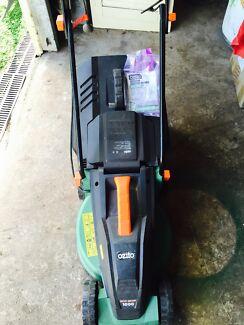Elec lawn mower Silkstone Ipswich City Preview