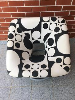 Modern style armchair in great condition