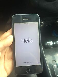 iPhone 5 32gigs Bell