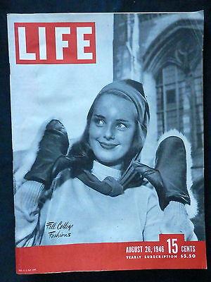 "LIFE Magazine August 26, 1946 LA FOLLETTE TILLEY ""NOTORIOUS"" SOFTBALL FASHIONS"