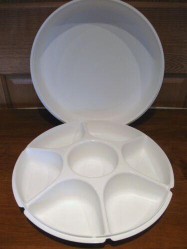 TUPPERWARE white large divided server #1665, relish, veggie, lid 2 pc