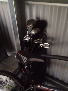 Golf clubs left and right hand full sets Glen Alpine Campbelltown Area Preview