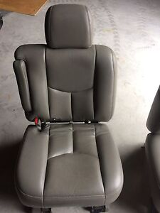 GMC Chevrolet middle row captain chairs  Kingston Kingston Area image 5