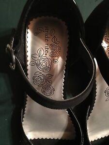 Girls dress shoes, size 2 1/2 St. John's Newfoundland image 2