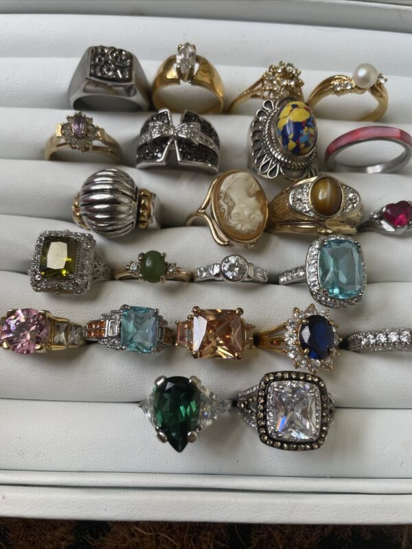 Huge Lot of 23 Sliver & Gold Plated Rings Lots of Bling!!