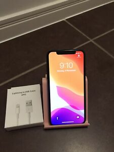 iPhone X 64gb unlocked in great condition