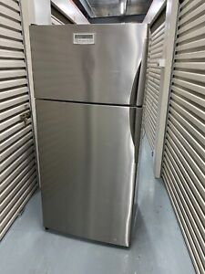 Westinghouse 517L fridge (Free delivery)