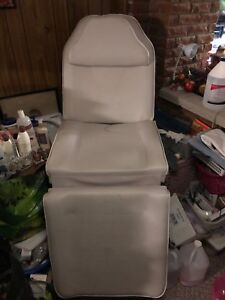 Aesthetics's chair for nails/facials