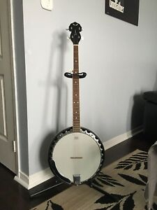 4-String Banjo plus accessories!