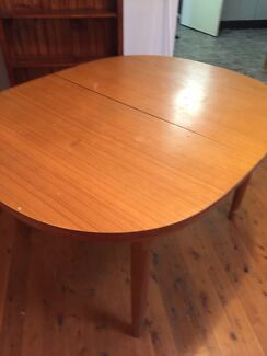 Extendable table FREE South Penrith Penrith Area Preview