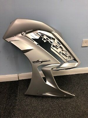 <em>YAMAHA</em> FJR1300 LEFT HAND SIDE FAIRING PANEL MATT SILVER 1MC 2835J 00 2