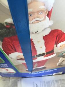 Dancing santa plus hanging sant Mount Annan Camden Area Preview