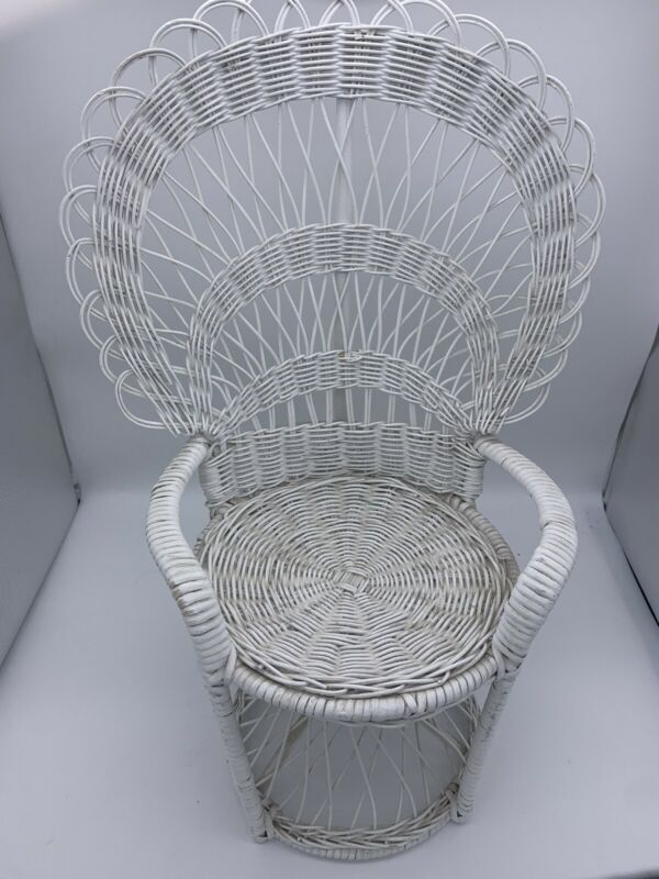"Vintage White Wicker Rattan Chair Peacock Boho Child Doll Plant Display 20""H"