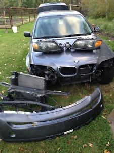 2003 BMW 325xi 200000 km for parts