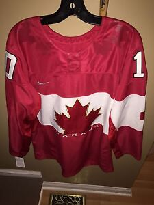Team Canada Corey Perry Hockey Jersey
