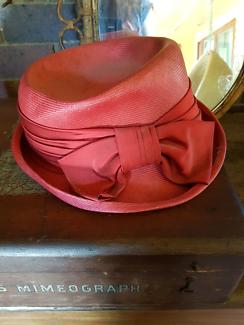 2 Beautiful vintage artdeco hats