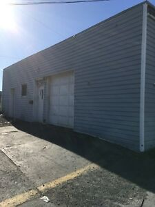 Large Garage 625 ft.² and Storage Space 520 ft.² With Bathroom