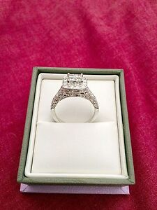14ct White Gold Ring Golden Bay Rockingham Area Preview