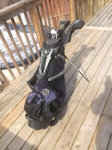 Jack Nicklaus golf clubs and matching golf bag $100
