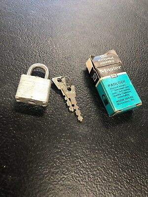 Vintage Master Padlock 10 With Keys Warded Security - 1 Laminated Steel Case
