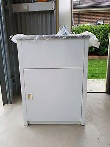 New Everhard 45L Laundry Trough and Cabinet with Accessories Pitt Town Hawkesbury Area Preview