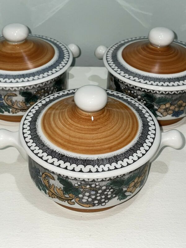 Set Of 3 Goebel BURGUND Oeslauer Manufaktur Bavaria CREAM SOUP BOWLS WITH LIDS