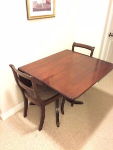 Duncan Phyfe Table With Chairs