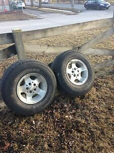 Jeep rims / 31 x10.5 x15 Tires