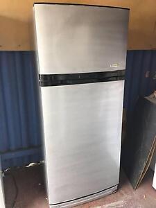Kelvinator 417 Litres fridge Rivervale Belmont Area Preview