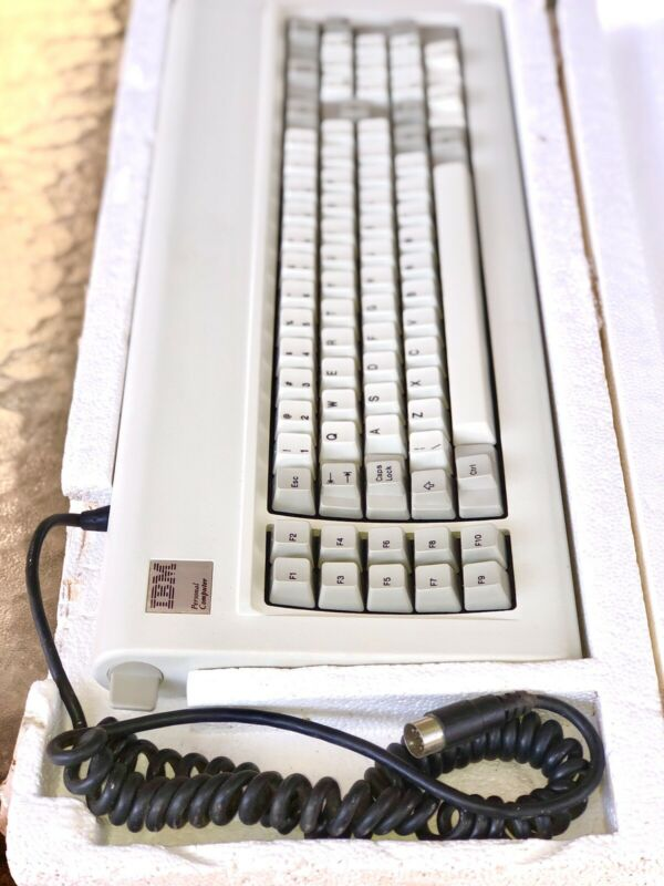 IBM PC XT Keyboard NEW MINT