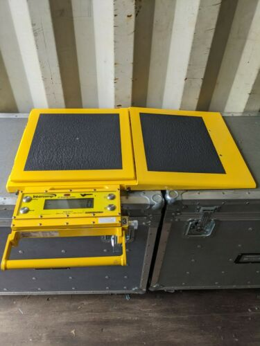 Intercomp aircraft platform weighing kit, calibrated and ready to use.