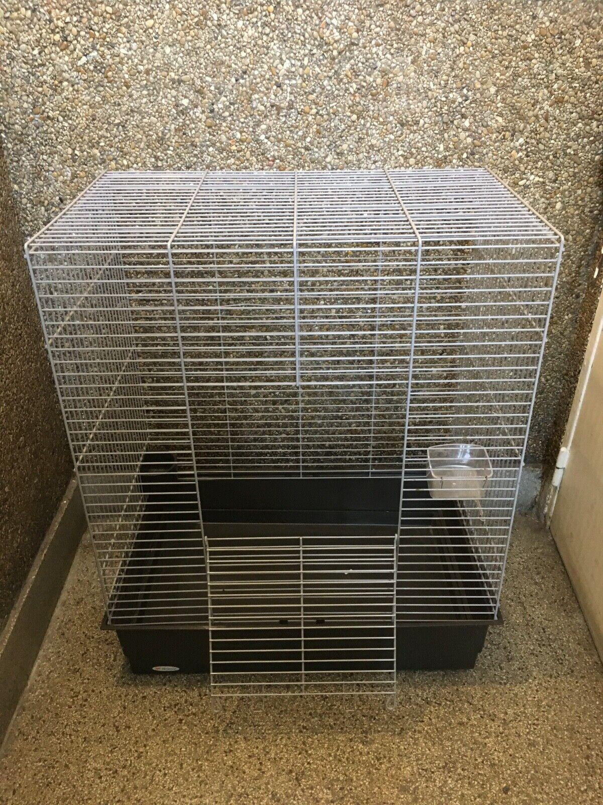 Cage oiseaux occasion 80cm x45 cm en très bon état idéal pour appartement