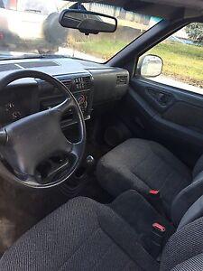 1997 Chevy S10 2dr extended cab Regina Regina Area image 7