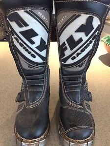 FLY 805 size 5 dirt bike MX boots