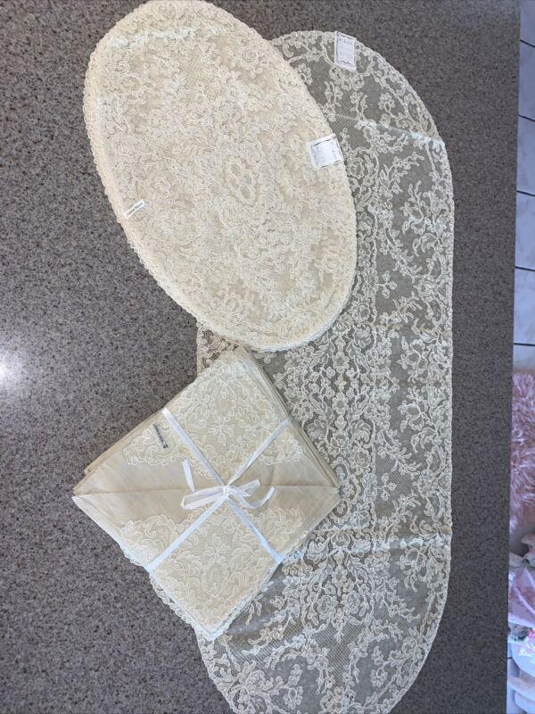 EXQUISITE SET OF 12 ANTIQUE FRENCH ALENCON LACE PLACEMATS, NAPKINS & RUNNER NOS