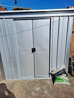 Shed - one small dent on the front but otherwise **MINT** condition