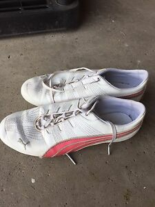 Women's Size 8 Puma Running Shoes