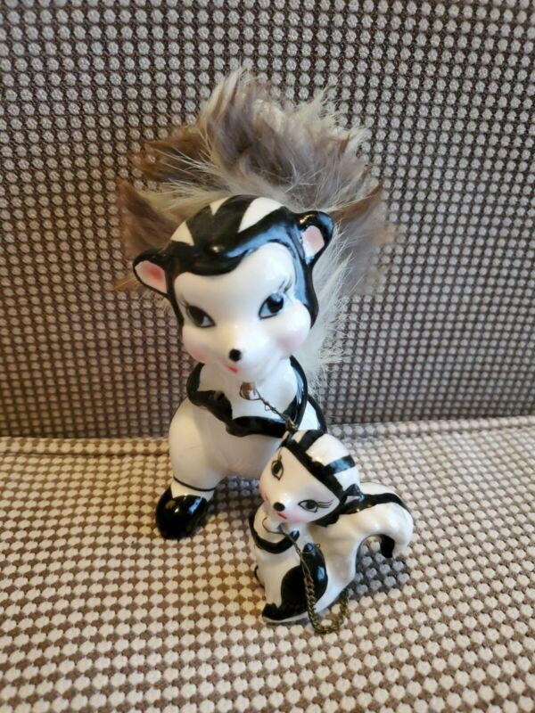 "Vintage MCM Striped Skunk Figurine 5"" with Baby 2.5"" on Chain - Real Fur Japan"