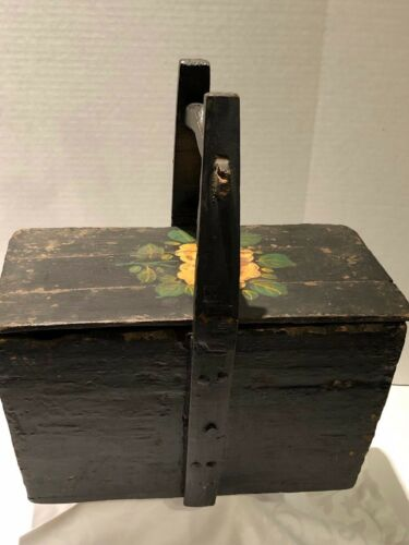 ANTIQUE PRIMITIVE CHINESE  WEDDING BASKET WITH LID WOODEN HANDLE PAINTED