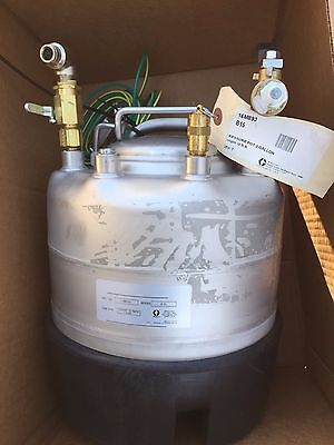 Graco Industrial 2 Gallon Solvent Pressure Pot - Frp Systems - Part 16m893
